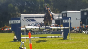 First fence in Open 1.10m jump off